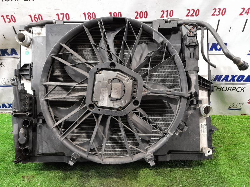 Радиатор двигателя Bmw 525I E60 M54B25 2003 с диффузором и вентилятором