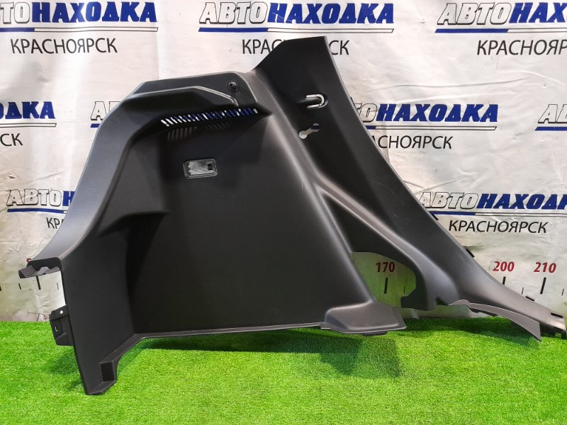 Обшивка багажника Mazda Demio DJ3FS P3-VPS 2014 задняя левая левая, боковая, дефект одного крепежа.
