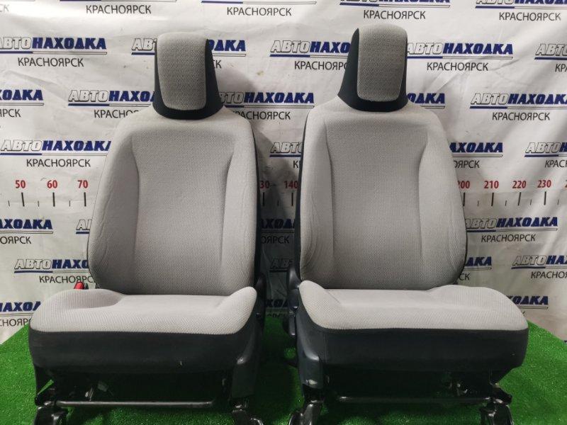 Сиденья Toyota Vitz NSP130 1NR-FE 2010 передняя Передние, пара, ХТС, с механическими регулировками.