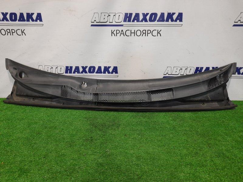 Ветровая панель Toyota Platz NCP12 1NZ-FE 1999 из двух частей.