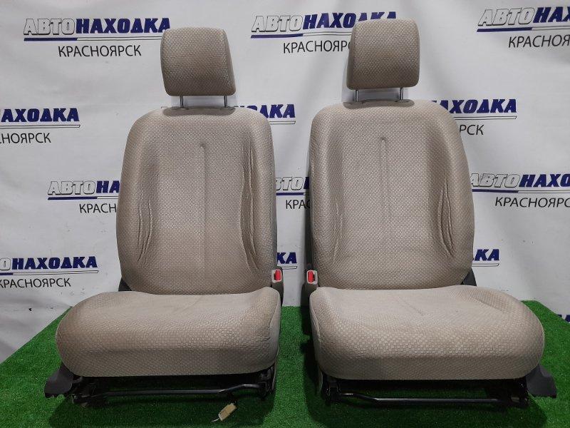 Сиденья Toyota Belta KSP92 1KR-FE 2005 передняя Передние, пара, ХТС, с механическими регулировками.