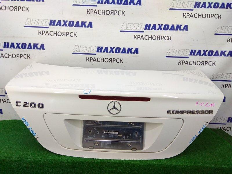 Крышка багажника Mercedes-Benz C200 203.042 M271E18 2000 задняя в сборе, белая (960U), со знаком