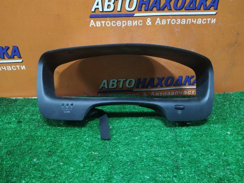 Козырек панели приборов Mitsubishi Diamante F36W 6G72 11.1997