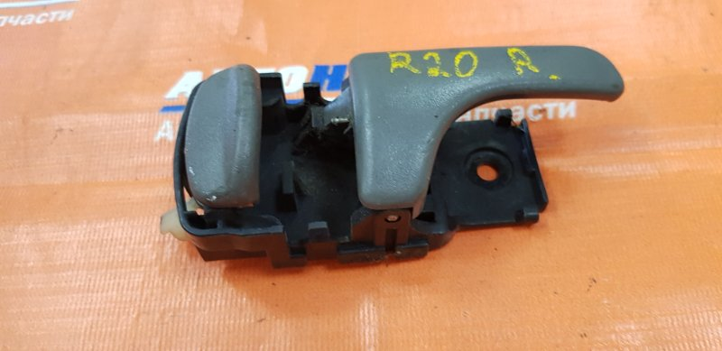 Ручка внутренняя Nissan Mistral R20 TD27BT 1994 задняя правая