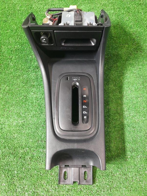 Накладка пластиковая в салон Honda Integra DB6 ZC 1998 передняя нижняя облицовка вокруг рычага