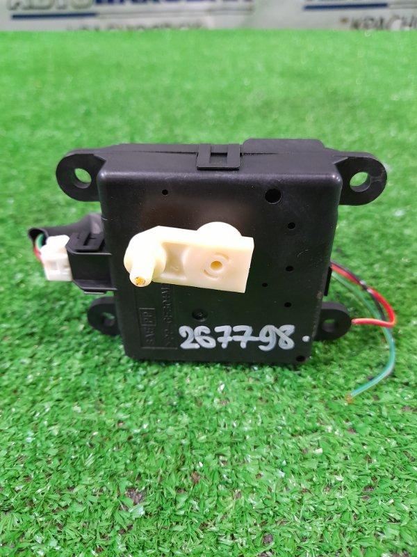Привод заслонок отопителя Nissan Primera QP12 QG18DE 2001 2K00130850 3 контакта