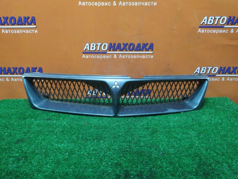 Решетка радиатора Mitsubishi Diamante F36W 6G72 11.1997