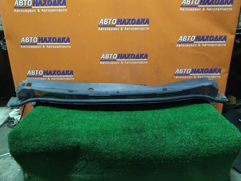 Решетка под лобовое стекло Nissan Tiida JC11 MR18DE 66862-ED000