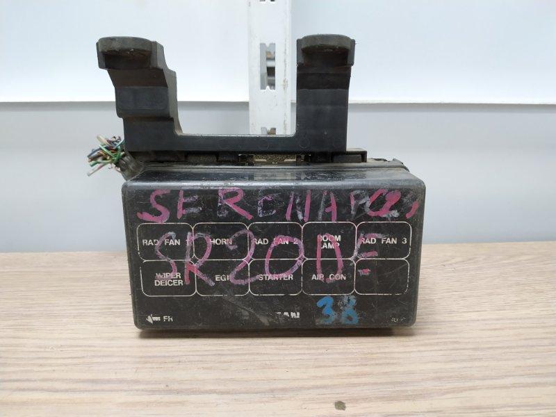 Блок предохранителей Nissan Serena PC24 SR20DE 2000 Блок реле