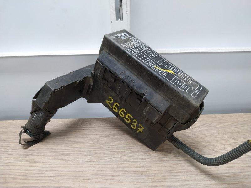 Блок предохранителей Nissan Primera TP12 QR20DE 2003 подкапотный **ДЕФЕКТ КРЫШКИ**
