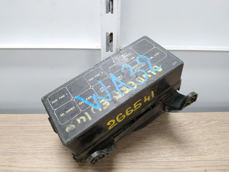 Блок предохранителей Nissan Bluebird EU14 SR18DE 1996 Блок реле