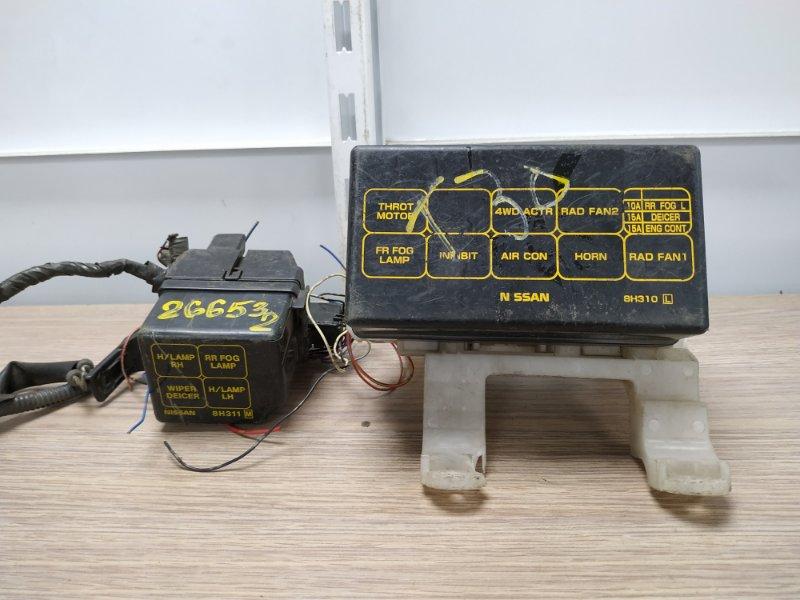 Блок предохранителей Nissan X-Trail T30 QR20DE 2000 блок реле