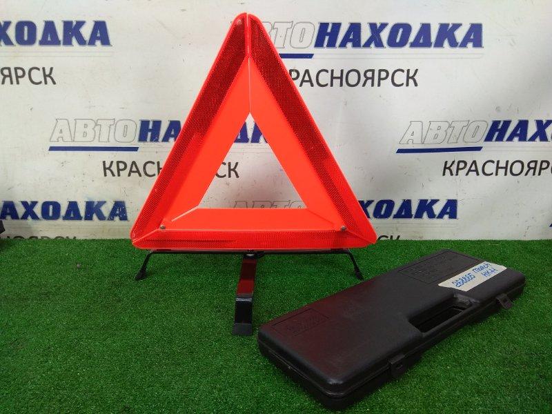 Знак аварийной остановки Nissan March HK11 CG13DE 1997 штатный знак аварийной остановки, в