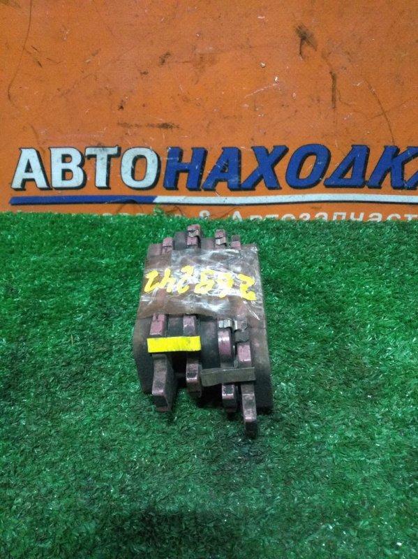 Колодки тормозные Toyota Alphard ATH10 2AZ-FXE задние КОМПЛЕКТ, ДИСК