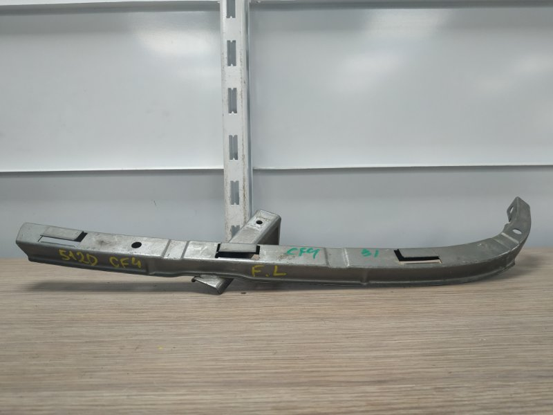 Планка под фару Honda Accord CF4 F18B 1997 передняя левая планка(усик) под фару L