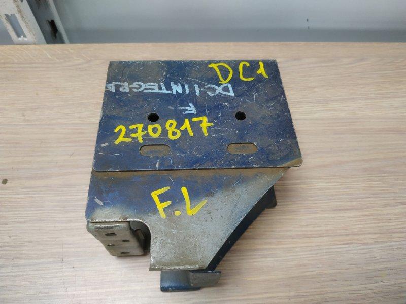 Кронштейн бампера Honda Integra DC1 B18C передний левый 71148-ST7-J60ZZ стакан к усилителю