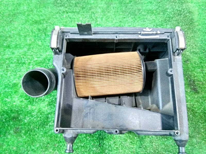 Корпус воздушного фильтра Smart Fortwo 450.352 160.910 2003 дефект креплений, есть трещины.