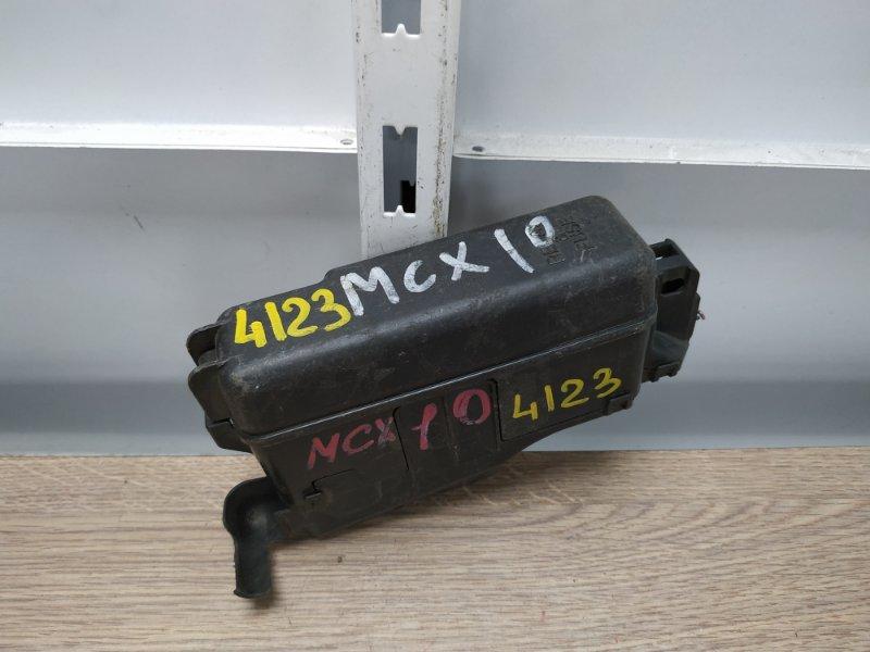 Блок предохранителей Toyota Avalon MCX10 1MZ-FE подкапотный