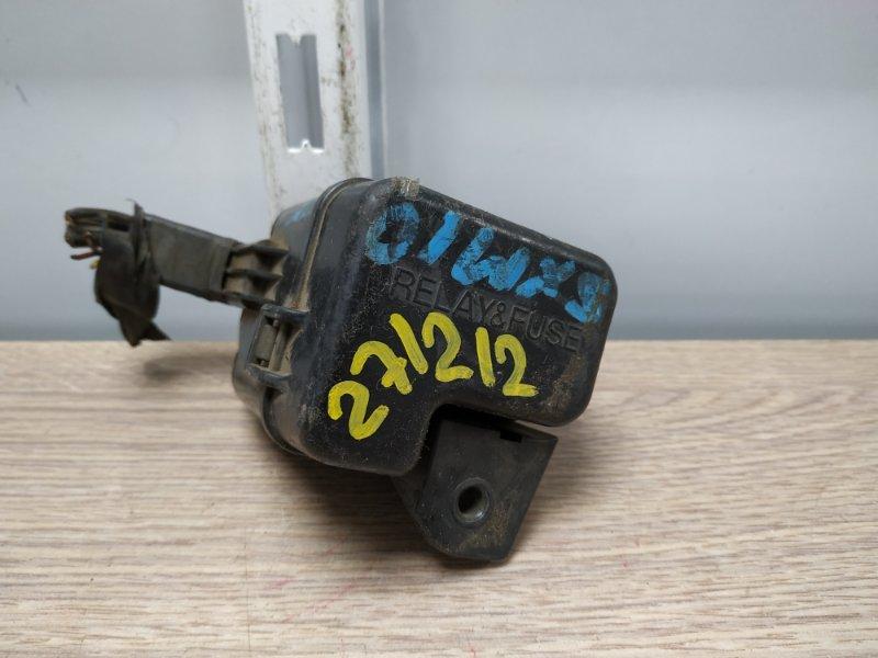 Блок предохранителей Toyota Ipsum SXM10 3S-FE блок реле