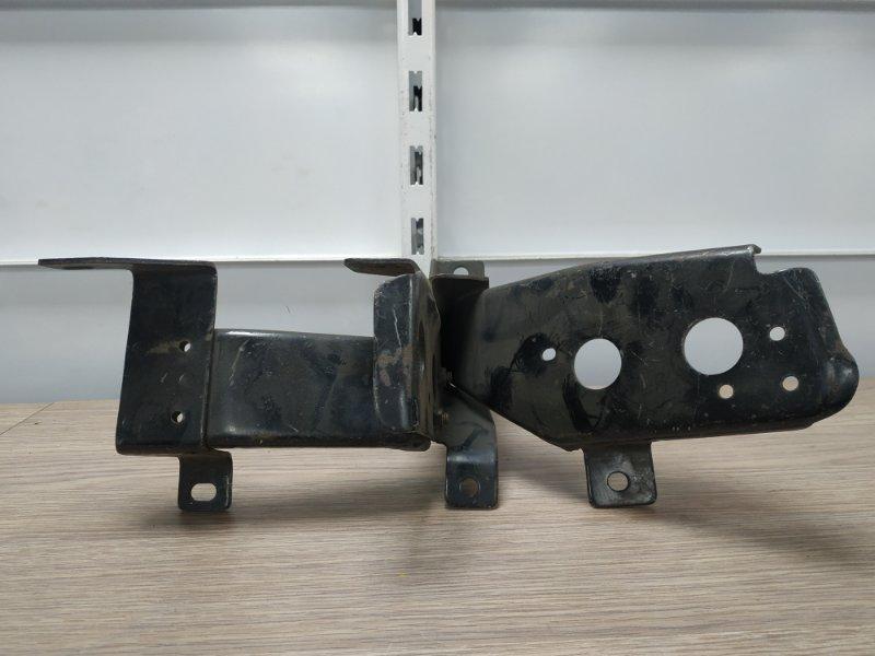 Кронштейн бампера Mazda Proceed UV66R G6 передний правый стакан к усилителю