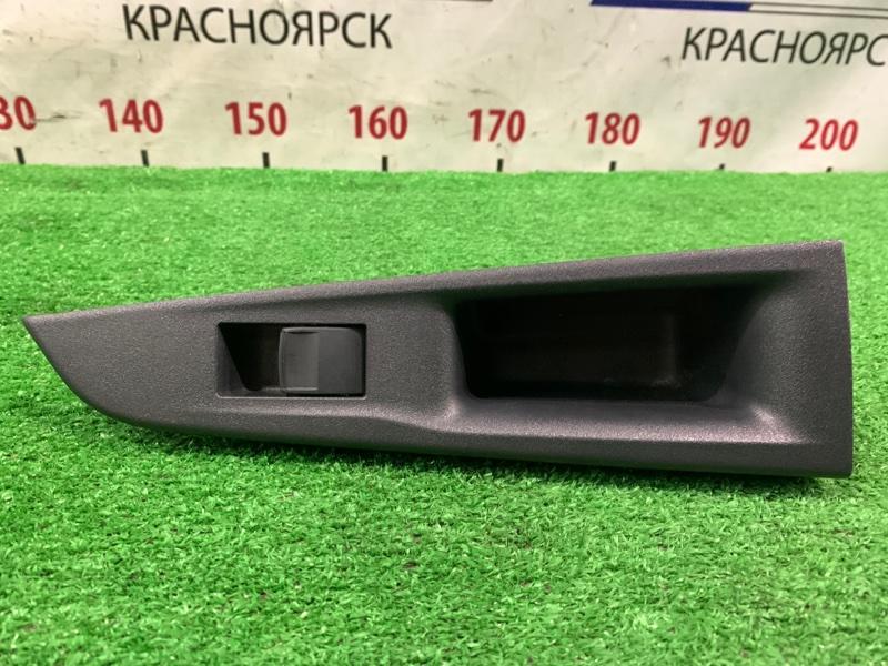 Кнопка стеклоподъемника Toyota Ractis NCP120 1NZ-FE 2010 задняя правая RR, с облицовкой. Есть