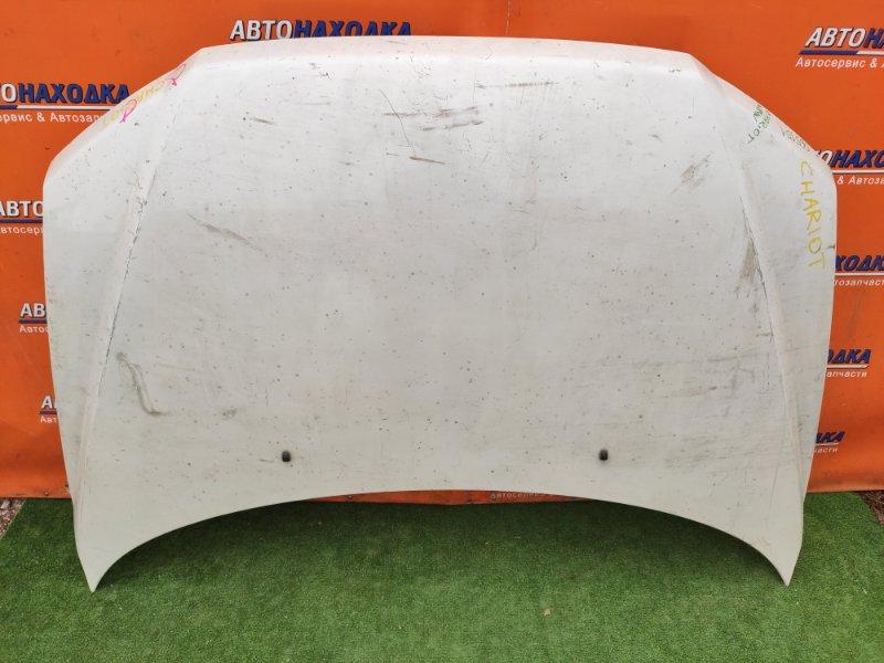 Капот Mitsubishi Chariot Grandis N84W 4G64