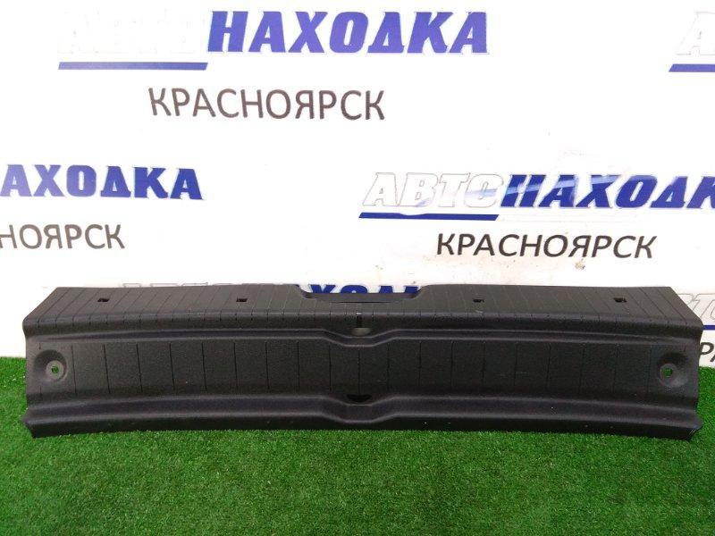Накладка багажника Mercedes-Benz B170 245.232 266.940 2008 задняя обшивка задней стенки багажника,