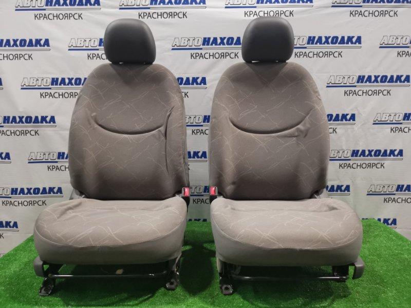 Сиденья Toyota Platz SCP11 1SZ-FE 1999 передняя Передние, пара. ХТС. С механическими регулировками.
