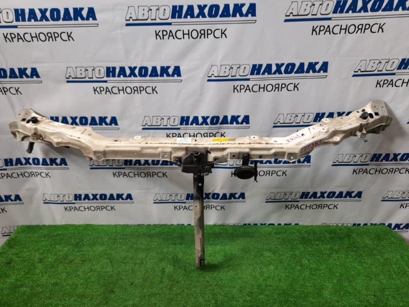 Рамка радиатора Toyota Lite Ace KR41V 5K 1996 53205-28130 верхняя часть, с замком и центральной
