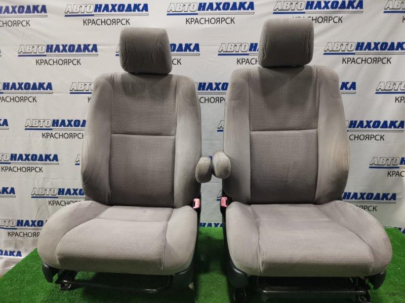 Сиденья Toyota Wish ZNE10G 1ZZ-FE 2005 передняя Передние, пара, ХТС, с механическими регулировками,