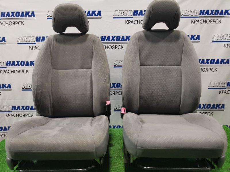 Сиденья Toyota Prius NHW20 1NZ-FXE 2005 передняя Передние, пара, ХТС. С механическими