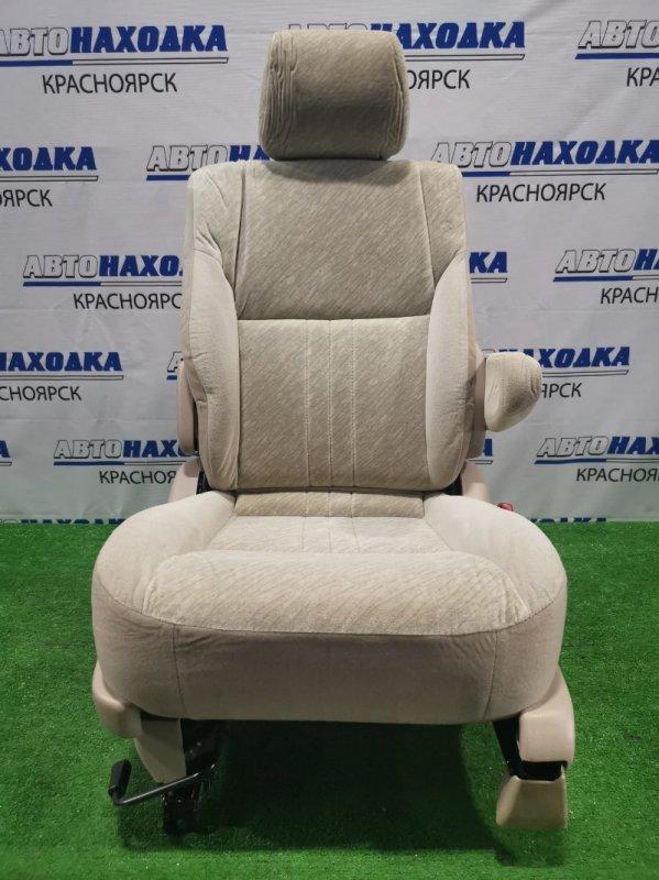 Сиденья Toyota Gaia ACM10G 1AZ-FSE 2001 правая Сиденье, правое, среднего ряда ХТС. Материал: 2-х