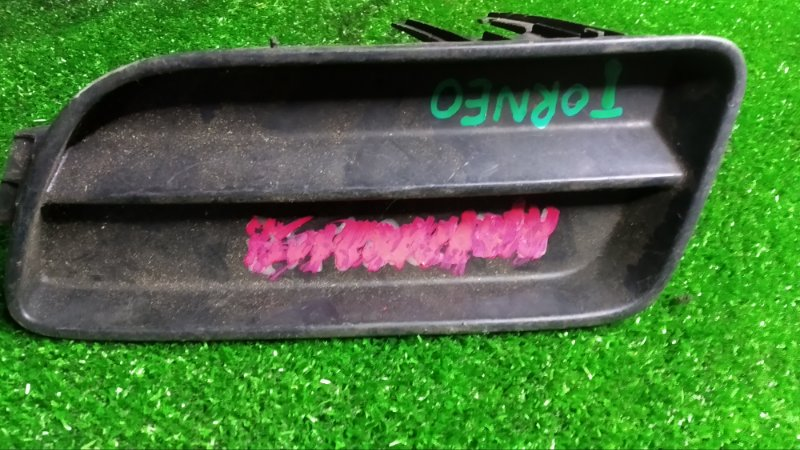 Заглушка в бампер Honda Torneo CF3 F18B передняя левая