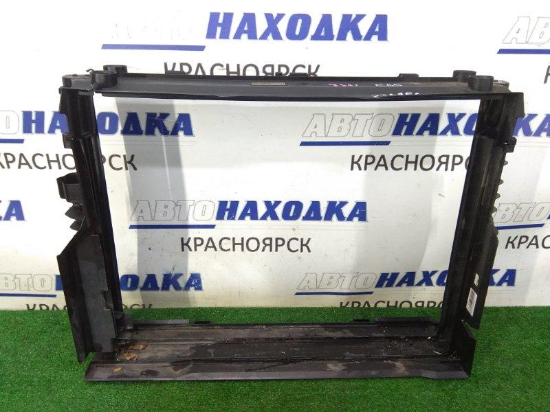 Рамка радиатора Bmw 735I E65 N62B36 2001 передняя пластиковая, в которую вставляются радиаторы