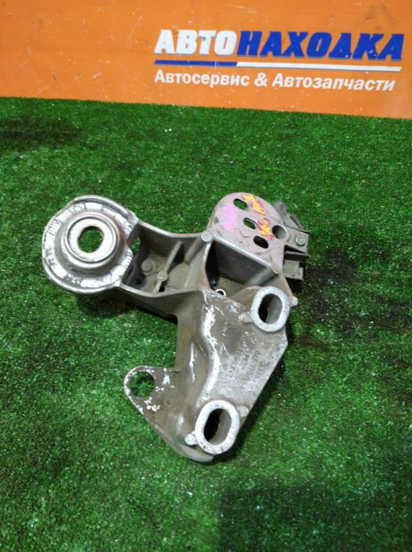 Кронштейн опоры двигателя Audi A6 Allroad C5 BES 2000 правый 4Z7199352 алюминиевый