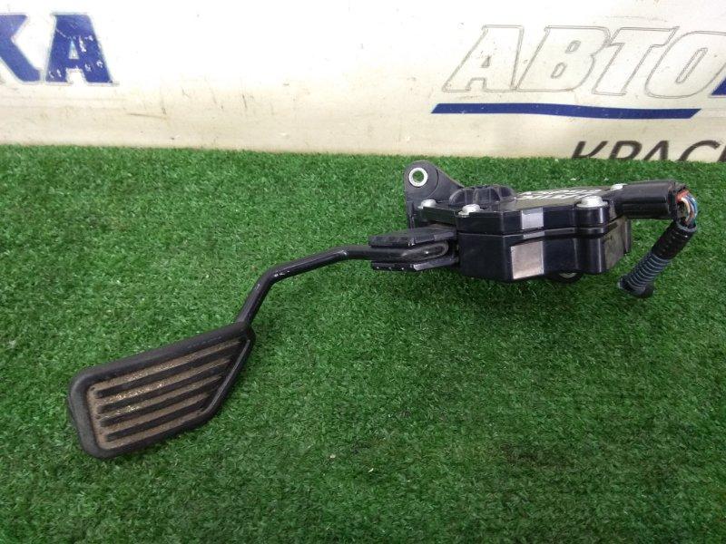 Педаль Toyota Belta KSP92 1KR-FE 2005 газа, электронная, 6 контактов, с фишкой