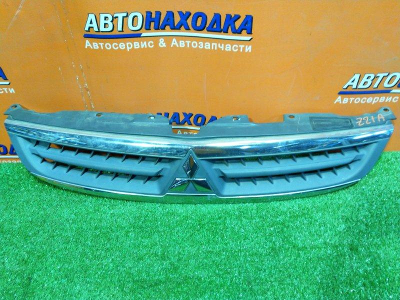 Решетка радиатора Mitsubishi Colt Z21A 4A90 7450A067 2MOD,