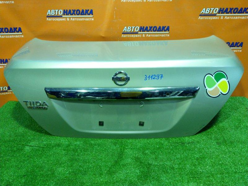 Крышка багажника Nissan Tiida Latio SC11 HR15DE 04.2005
