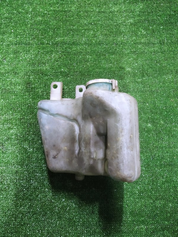 Бачок омывателя Mitsubishi Galant E53A 6A11 без моторчика