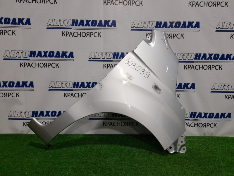 Крыло Honda N-Wgn JH1 S07A 2013 переднее правое переднее правое, с повторителем, серебристое,