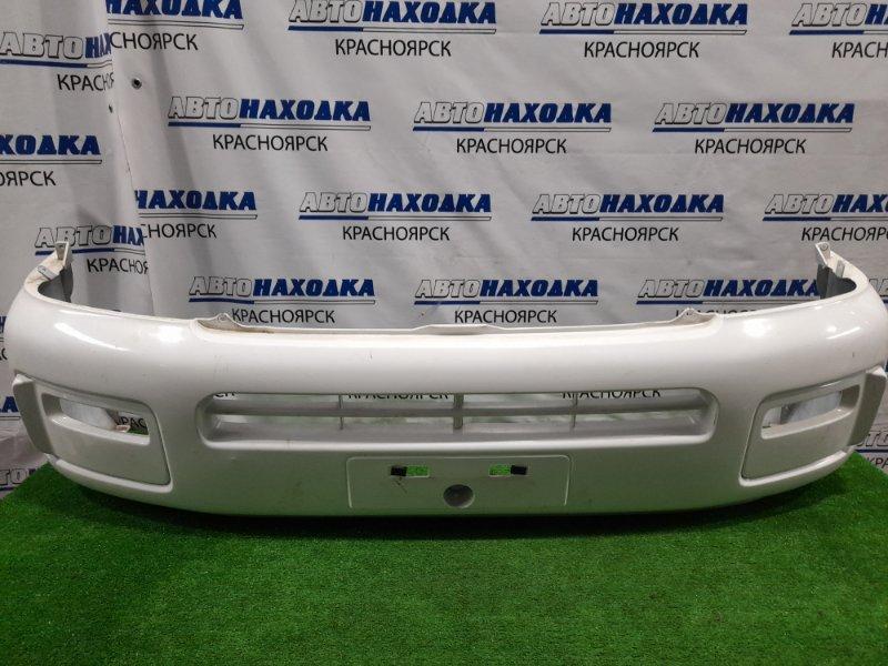 Бампер Nissan Caravan VPE25 KA20DE 2001 передний Передний, дорестайлинг, пошоркан, надорван снизу.