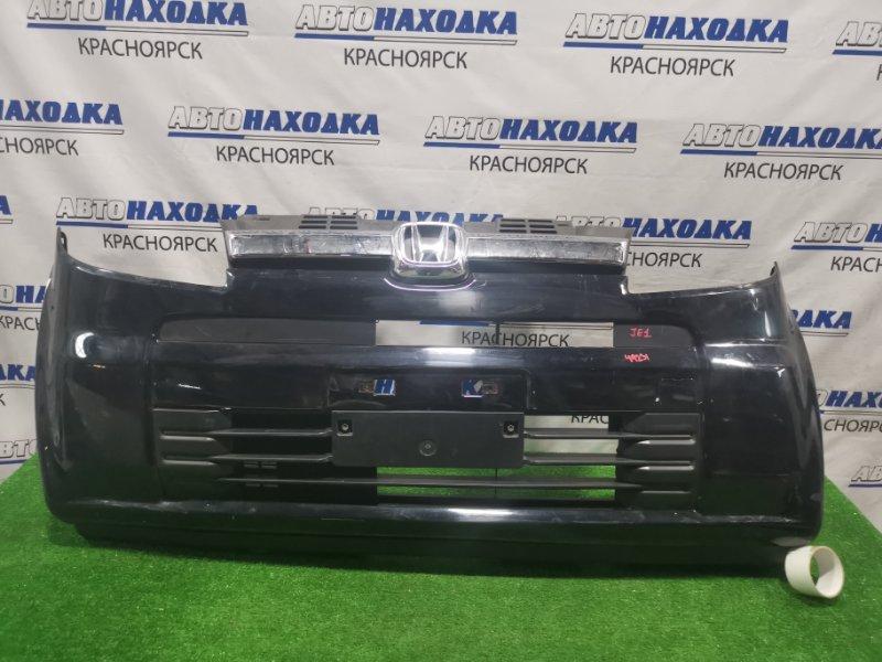 Бампер Honda Zest JE1 P07A передний 71103-SYA-00 передний, с решеткой, пошоркан.