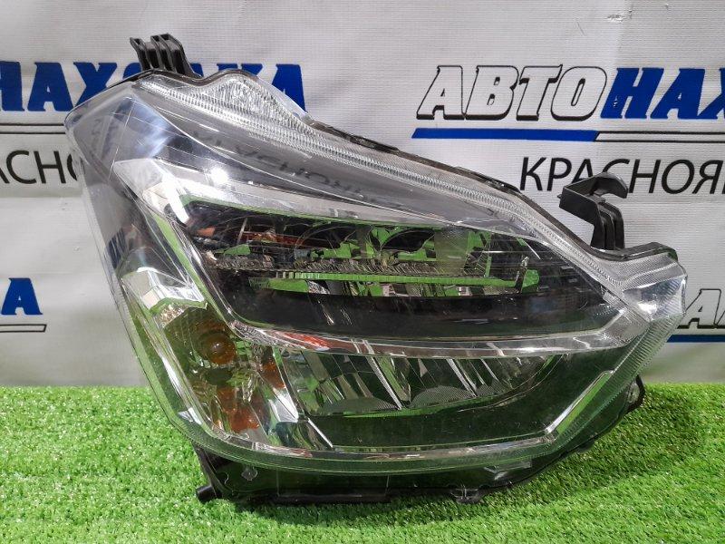 Фара Daihatsu Mira E:s LA350S KF 2017 передняя правая 100-69042 правая, LED, с корректором, сломано верхнее
