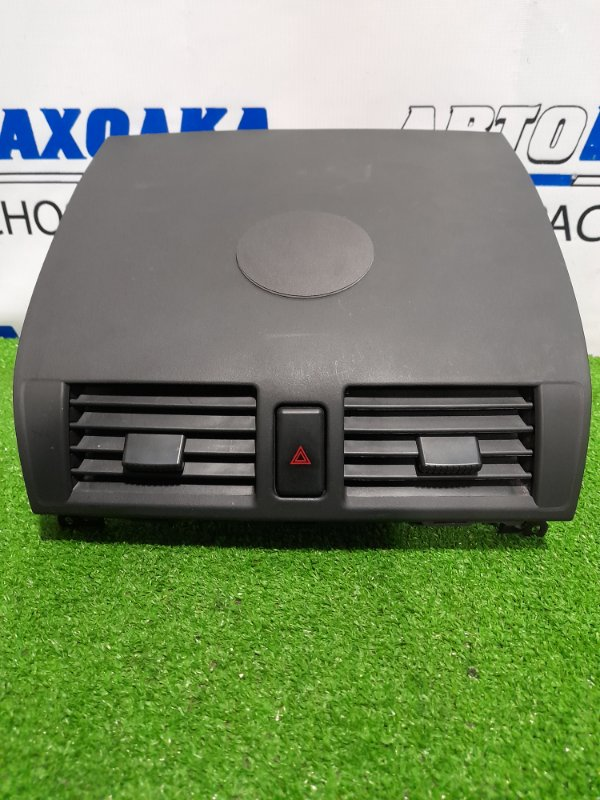 Дефлектор Mazda Axela BK5P ZY-VE 2003 центральная, верхняя консоль с дефлекторами, кнопкой