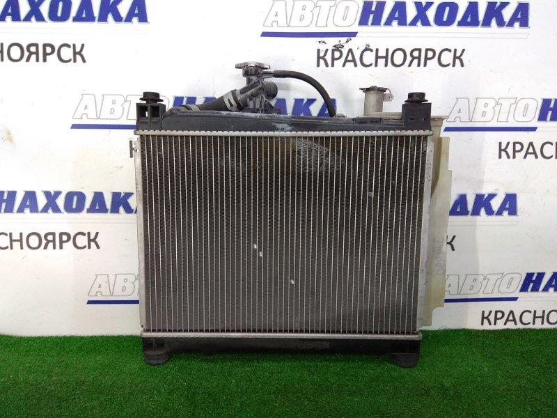 Радиатор двигателя Toyota Ist NCP60 2NZ-FE 2002 А/Т, в сборе, с диффузором, вентилятором и расш.