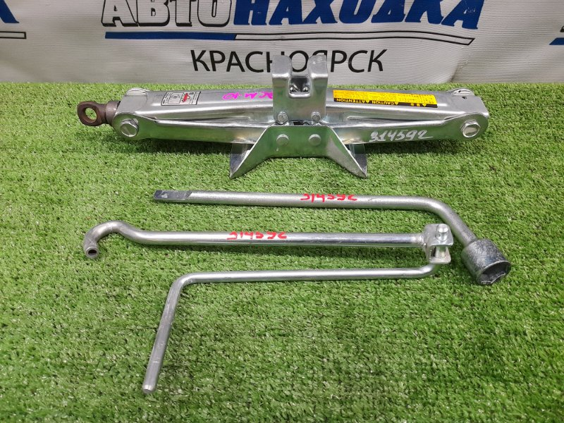 Домкрат Toyota Gaia ACM10G 1AZ-FSE 2001 Грузоподъемность 1000 кг со скаладной ручкой, ключом на 19