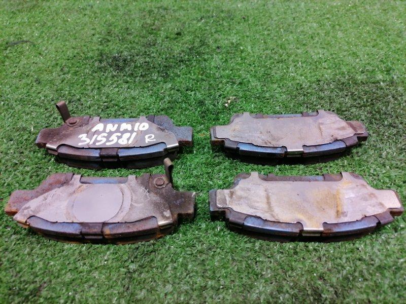 Колодки тормозные Toyota Isis ANM10G 1AZ-FSE 2004 задние задние, дисковые, комплект, остаток 80%