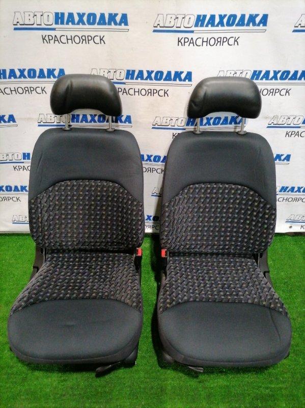 Сиденья Nissan Cube Z10 CG13DE 1998 передняя передние, черная ткань, механические регулировки,