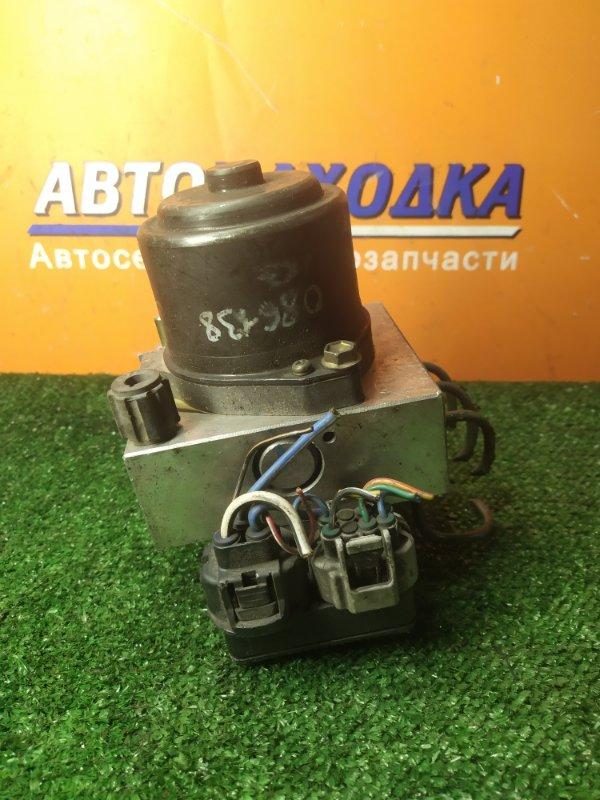 Блок abs Toyota Grand Hiace KCH16 1KZ-TE 44510-26060