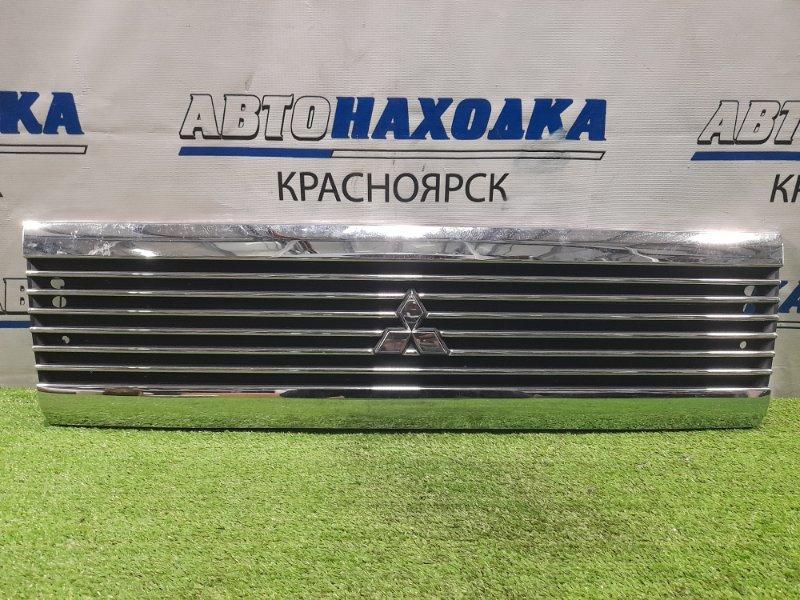 Решетка радиатора Mitsubishi Minicab U61V 3G83 2000 рестайлинг, потёртости по хрому, царапинки